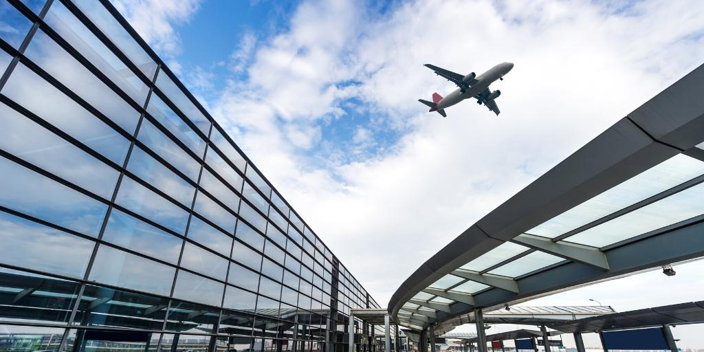 Heathrow Terminal 5 - plane